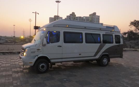 Maharaja Tempo Traveller in Kolkata